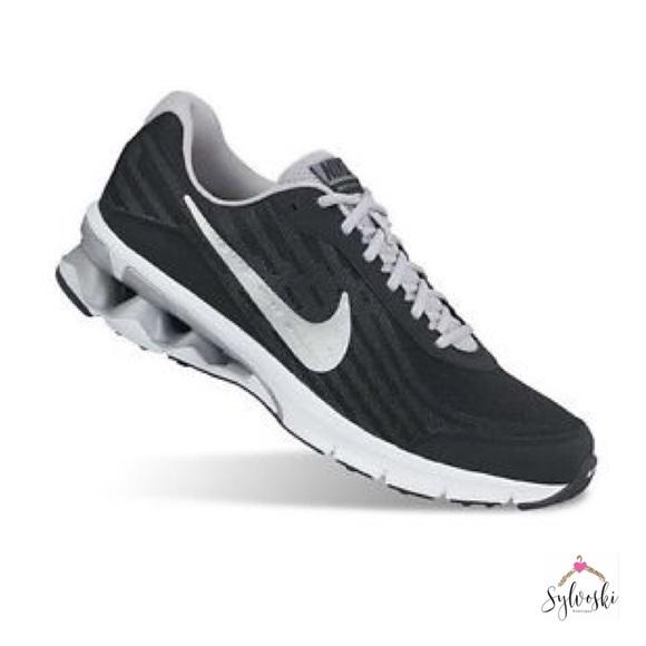 Zapatos Nike Hombres Reax Poshmark Run 9 Running Zapato Poshmark Reax e6c3bb